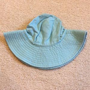 NWT Gap baby brimmed hat size 6-12 months